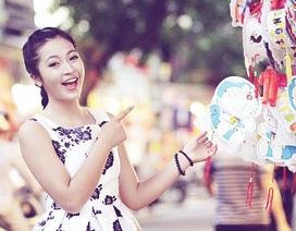 Dạo phố Trung thu Hà Nội cùng nữ sinh tuổi 17 đa tài