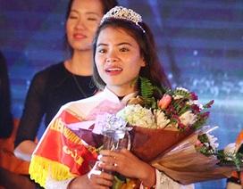 Nữ sinh 9X trường Sư phạm trở thành Hoa khôi Vầng trăng khuyết