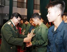 Tướng Lê Mã Lương trải lòng với bạn trẻ Thủ đô về cuộc chiến năm 1979