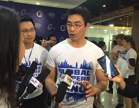 Giám đốc Diễn đàn kinh tế thế giới truyền cảm hứng khởi nghiệp cho bạn trẻ Việt