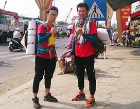 Hai chàng trai Sóc Trăng đi bộ 450km để thử thách bản thân