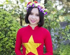 Nữ sinh Thái Lan diện áo dài Việt trong lễ tốt nghiệp