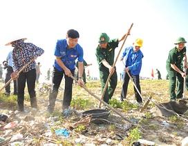 Hàng ngàn tình nguyện viên tham gia làm sạch biển