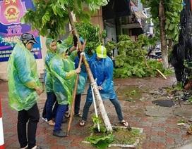 Thanh niên Thủ đô nỗ lực giúp dân dọn dẹp hậu quả bão số 1