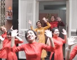 """Clip cưới vui nhộn """"độc nhất vô nhị"""" của cặp đôi Sài Gòn"""