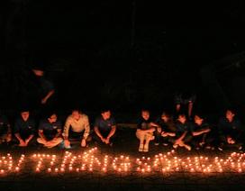 Những ngọn nến trong đêm nhớ về Đại tướng Võ Nguyên Giáp