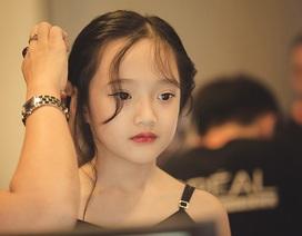 """Vẻ đẹp hút hồn của em bé 7 tuổi có biệt danh là """"tiểu Châu Tấn"""""""