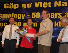 GS Nobel Vật lý gặp mặt, tặng quà học sinh ưu tú Việt Nam