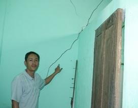 Dân cản trở thi công QL1, đòi tiền bồi thường nứt nhà