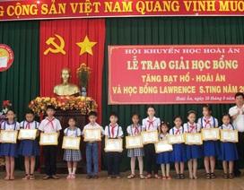 Bình Định: Xét cấp học bổng hỗ trợ học sinh nghèo có nguy cơ bỏ học