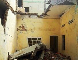 Một người bị khối bê tông đè chết khi phá dỡ nhà