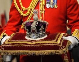 """Ấn Độ đòi Anh trả lại viên kim cương """"khủng"""" trên vương miện hoàng gia"""