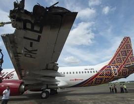Hai máy bay Indonesia va chạm khi đang cất cánh