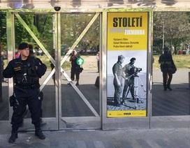 Czech sơ tán quy mô lớn vì kẻ nặc danh dọa cho nổ 10 quả bom
