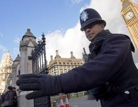 Cảnh sát Anh phong tỏa tòa nhà Quốc hội vì gói bột trắng