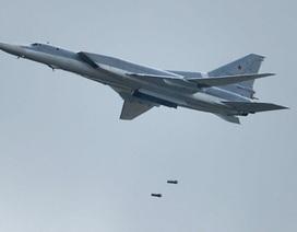 """6 máy bay ném bom Nga """"xóa sổ"""" nhà máy vũ khí hóa học của IS"""