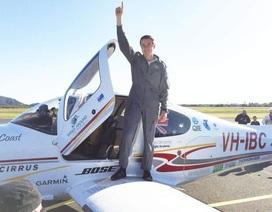 Người trẻ nhất hoàn thành chuyến bay vòng quanh thế giới một mình
