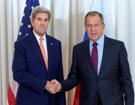 Ngoại trưởng Nga, Mỹ bắt tay bàn chuyện hợp tác trong vấn đề Syria
