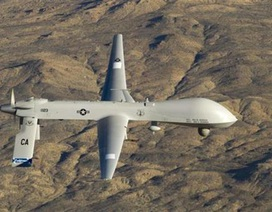"""Iran """"tố"""" máy bay không người lái Mỹ xâm phạm không phận"""
