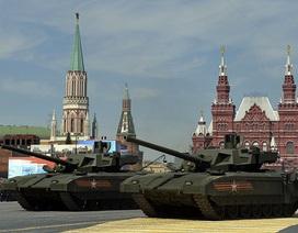 """Dàn tăng """"quái vật"""" Armata của Nga đồng loạt khai hỏa khoe uy lực"""