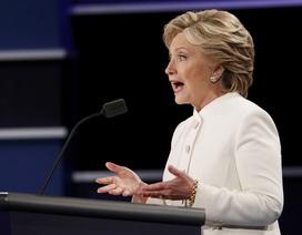 """Bà Clinton nói ông Trump là """"con rối"""" của Tổng thống Putin"""