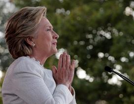 Trợ lý bà Clinton đòi FBI công khai thông tin mối quan hệ của ông Trump và Nga