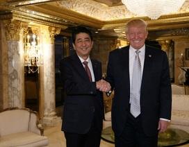 Ông Trump hào hứng khoe ảnh chụp cùng Thủ tướng Nhật Bản