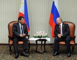"""Tổng thống Philippines tiết lộ cuộc trò chuyện với """"thần tượng"""" Putin"""