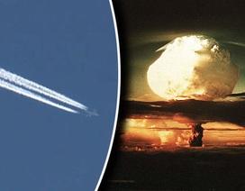 """Máy bay """"ngày tận thế"""" xuất hiện bí ẩn trên bầu trời Mỹ"""