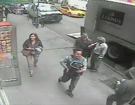 Hy hữu vụ trộm xô vàng 1,6 triệu USD giữa phố đông người ở New York