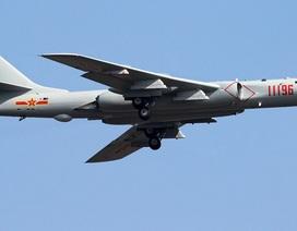 Máy bay ném bom Trung Quốc áp sát Đài Loan