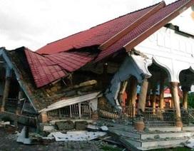 Indonesia tan hoang sau động đất, ít nhất 50 người chết
