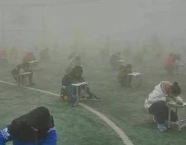Trung Quốc: Hiệu trưởng bị đình chỉ vì để học sinh làm bài thi trong khói mù ô nhiễm