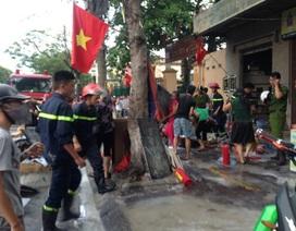 Hỏa hoạn sát cổng trường đúng giờ tan học