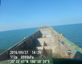 Một thuyền viên tàu chở bùn rơi xuống biển tử vong