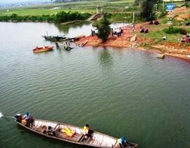 Truy tìm người phụ nữ mất tích để lại tư trang bên bờ sông