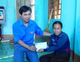Đoàn Thanh niên ĐH Quảng Bình chia sẻ khó khăn cùng ngư dân