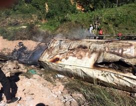 Xe container lao xuống vực bốc cháy, tài xế tử vong trong cabin