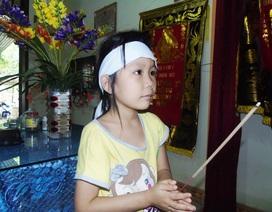 Xót xa số phận cô bé 6 tuổi không cha, mất mẹ trong lũ