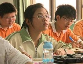 90% phụ huynh châu Á muốn con vào đại học