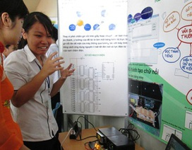 Học trò TPHCM đưa bảng chữ nổi đi thi quốc tế