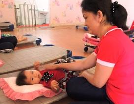 Bồi dưỡng giáo viên chăm sóc trẻ 6 - 18 tháng tuổi