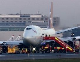 Máy bay Anh hạ cánh khẩn cấp vì lỗi kỹ thuật