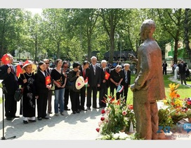 Kỷ niệm 125 năm Ngày sinh Chủ tịch Hồ Chí Minh tại Hungary