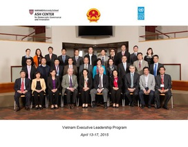 Phó Chủ tịch Quốc hội trao đổi với các giáo sư Đại học Havard