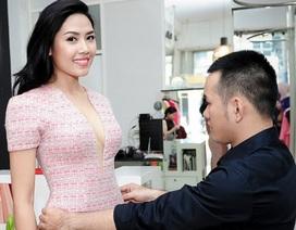 Nguyễn Thị Loan thử váy áo chuẩn bị thi Hoa hậu Thế giới
