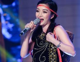 """Phạm Thu Hà xinh đẹp hóa cô gái Pacô trong """"Tiếng đàn Ta Lư"""""""