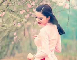 Phạm Thu Hà tái hiện vẻ đẹp phụ nữ xưa giữa vườn xuân