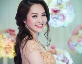 Á hậu Thụy Vân ngọt ngào diện váy cưới