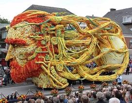 Rực rỡ lễ hội hoa tưởng nhớ Van Gogh